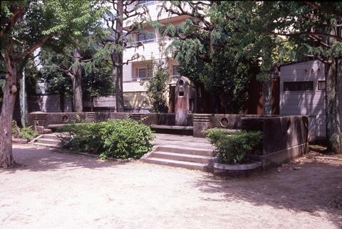 京都の児童公園